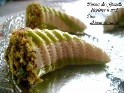 Cornes-de-Gazelle-bicolore-au-miel-056 thumb