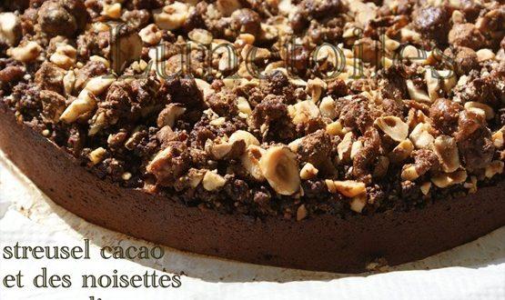 gateau au chocolat, streusel cacao et noisettes caramelisees