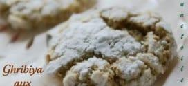 Ghoriba aux amandes et sésames – recette de Choumicha