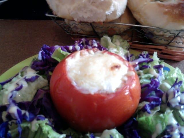 Blog de lesdelicesdecanstantine : les délices de Constantine, tomates farci pour un juin en rouge