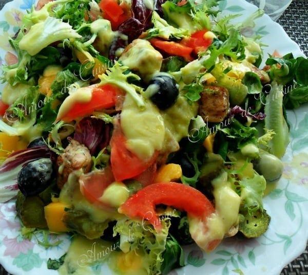 Salade composée au saumon et a la mangue