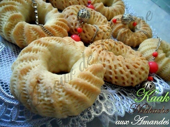 Kaak nakache gateaux algeriens amour de cuisine for 1 amour de cuisine