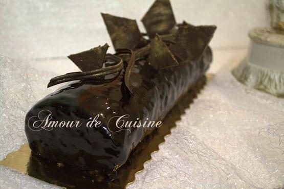 génoise pour bûche de noël ou réveillon au glaçage miroir au chocolat