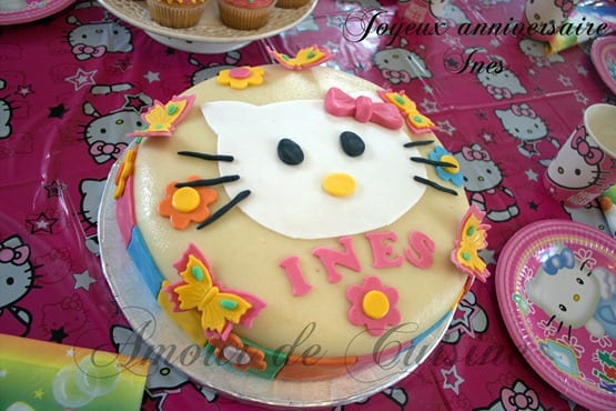 gateau d'anniversairehello kitty