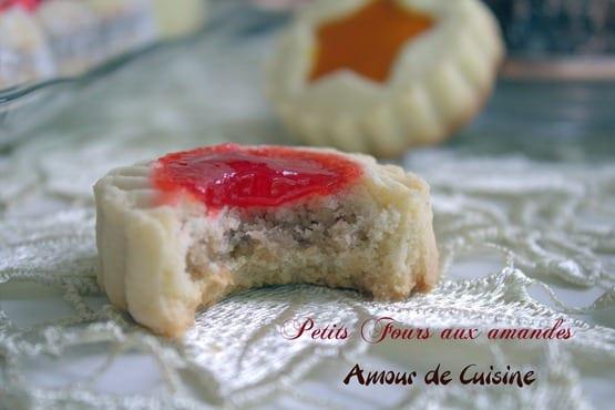 gateaux marocains, petits fours aux amandes.CR2