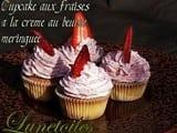 Cupcakes aux fraises a la creme meringuee