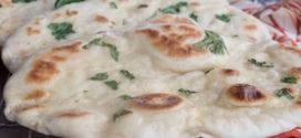 les naans à la coriandre, pain indien