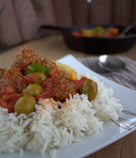 Tajine boulettes de viande hach e et olives kefta be for Viande cuisinee