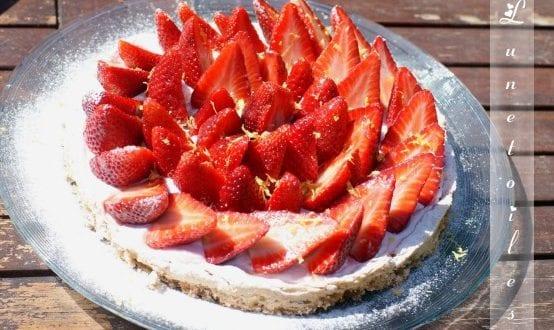 tarte a la fraise sur dacquoise aux amandes et citron