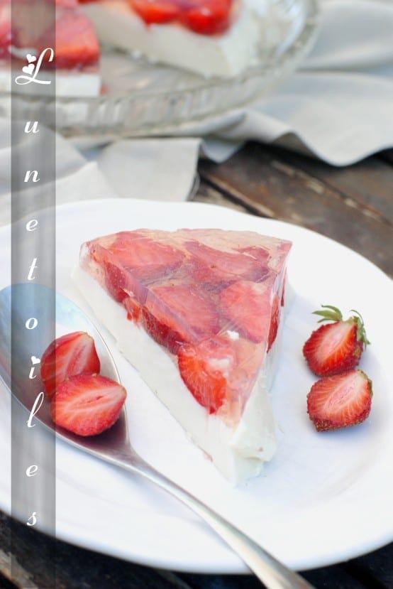terrine-de-panna-cotta-aux-fraises.jpg