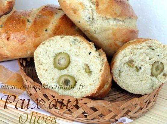 pain aux olives, pains aux olives