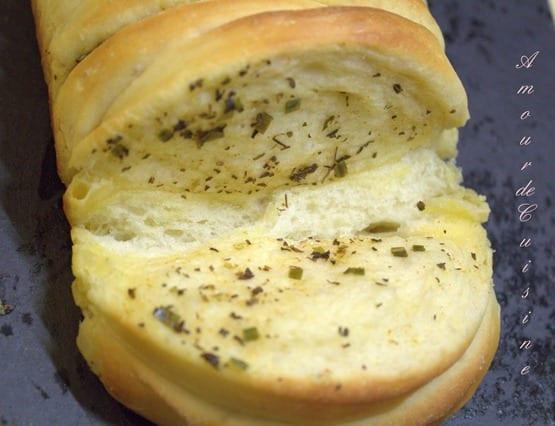 pain brioché a la ciboulette