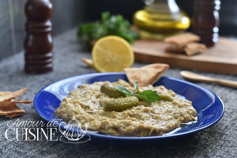 baba ghanouj de la cuisine libanaise, appelé aussi baba ghanouch, baba ghanoush, baba ganouj, baba ganouch, babaganouj, babaganouch ou caviar d'aubergine libanais