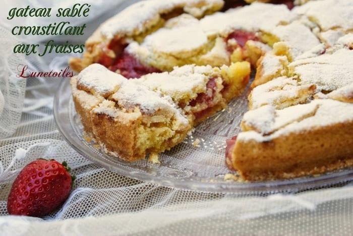 gateau sablé / croustillant aux fraises 1