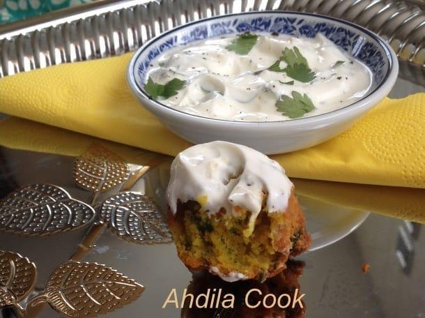 Beignets indiens a l'oignon: bhajis aux oignons