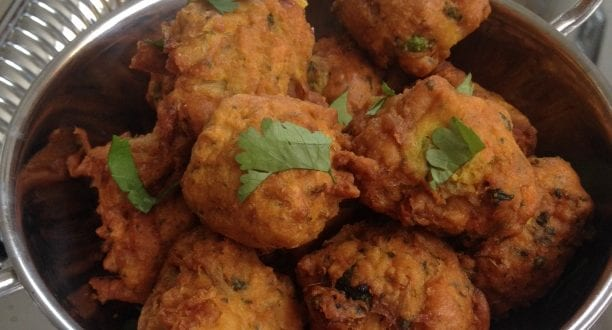 Beignets indiens a l'oignon bhajis aux oignons