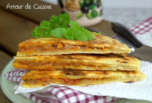 Kesra kabyle farcie aux oignons amour de cuisine - Recette cuisine kabyle facile ...