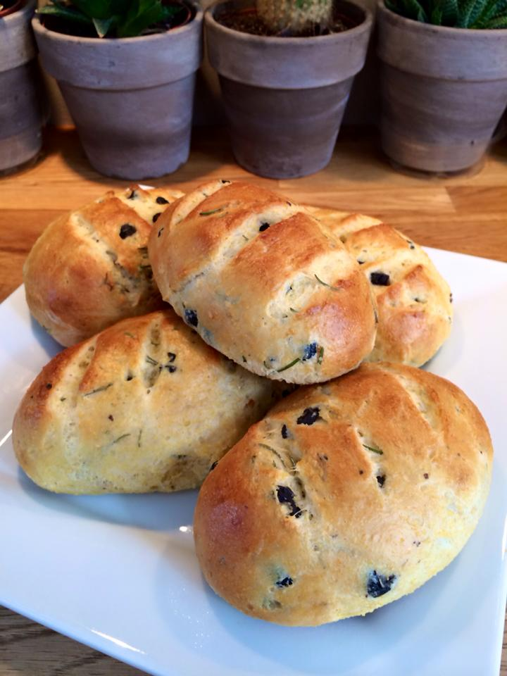 pains aux olives chez Nicole