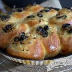 pains aux oignons et olives