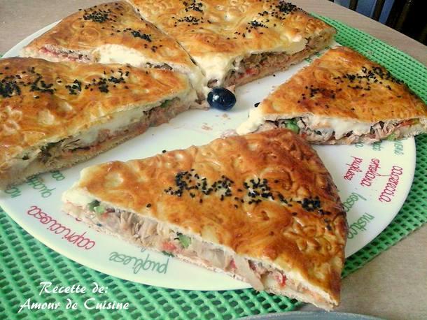 Pizza couverte a la pate magique amour de cuisine - Recette amour de cuisine ...