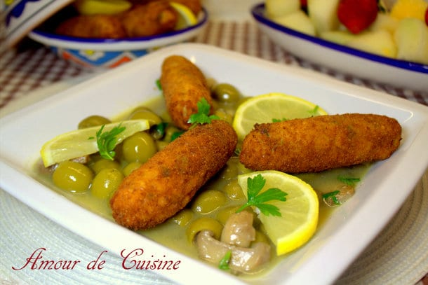 tajine d'olives aux croquettes de poulet