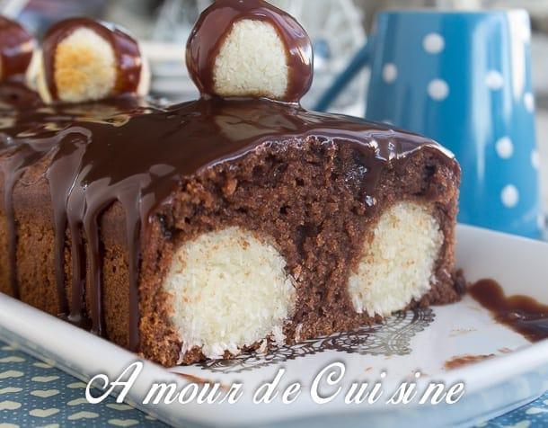 cake au chocolat et boulettes de noix de coco - amour de cuisine