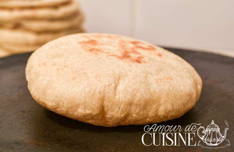 Pain pita de la cuisine libanaise la poele amour de - Amour dans la cuisine ...