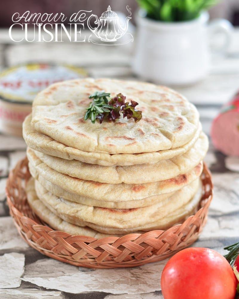 Pain pita de la cuisine libanaise la poele amour de cuisine - Cuisine libanaise recette ...