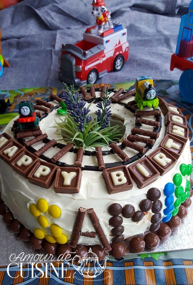 gateau d'anniversaire pour garçon decoration facile 3