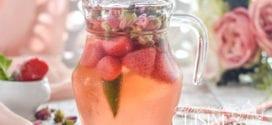 eau parfumée aux fraises et roses