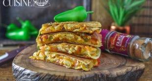 quesadillas au poulet et fromage, sandwich mexicain