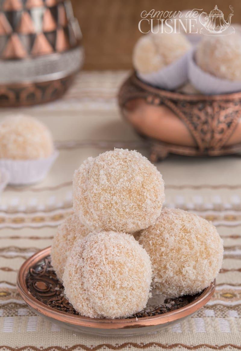 boules de noix de coco à la confiture 3