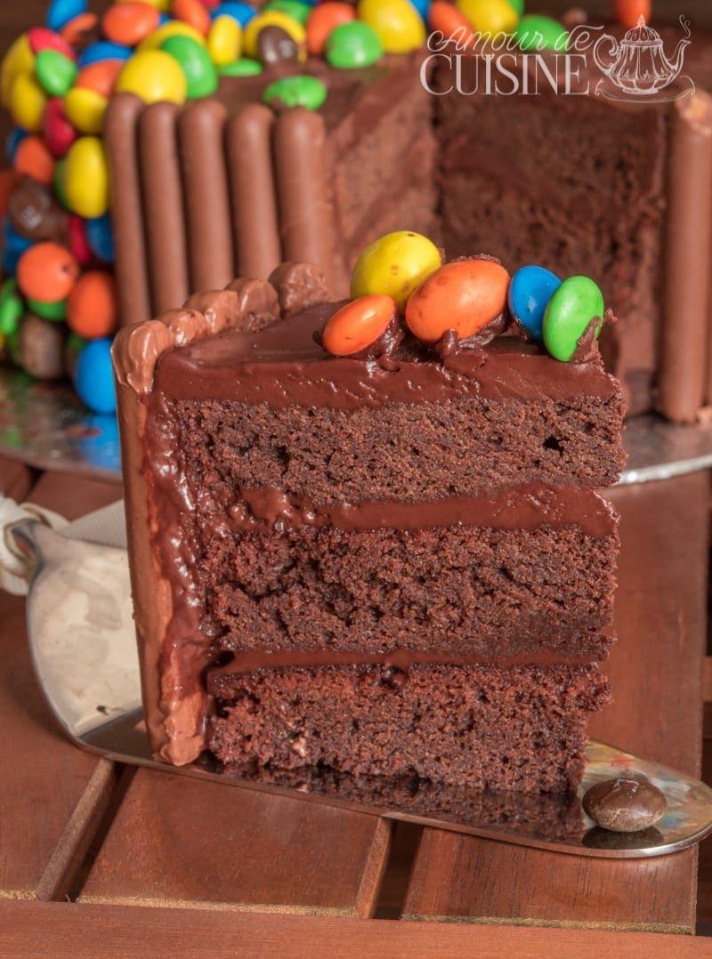 le gravity cake, gateau d'anniversaire au chocolat M&ms