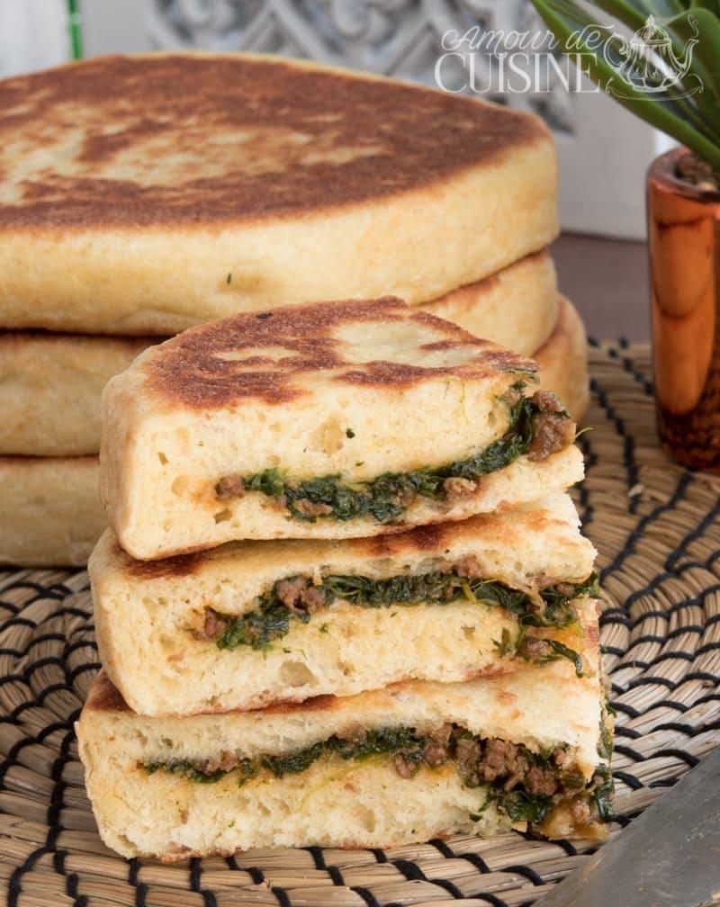 pains batbout à la semoule farcis à la viande hachée et épinards 1
