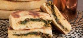 pains batbout à la semoule farcis à la viande hachée et épinards