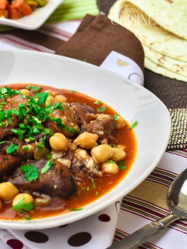 Chtitha bouzellouf, tête de mouton en sauce
