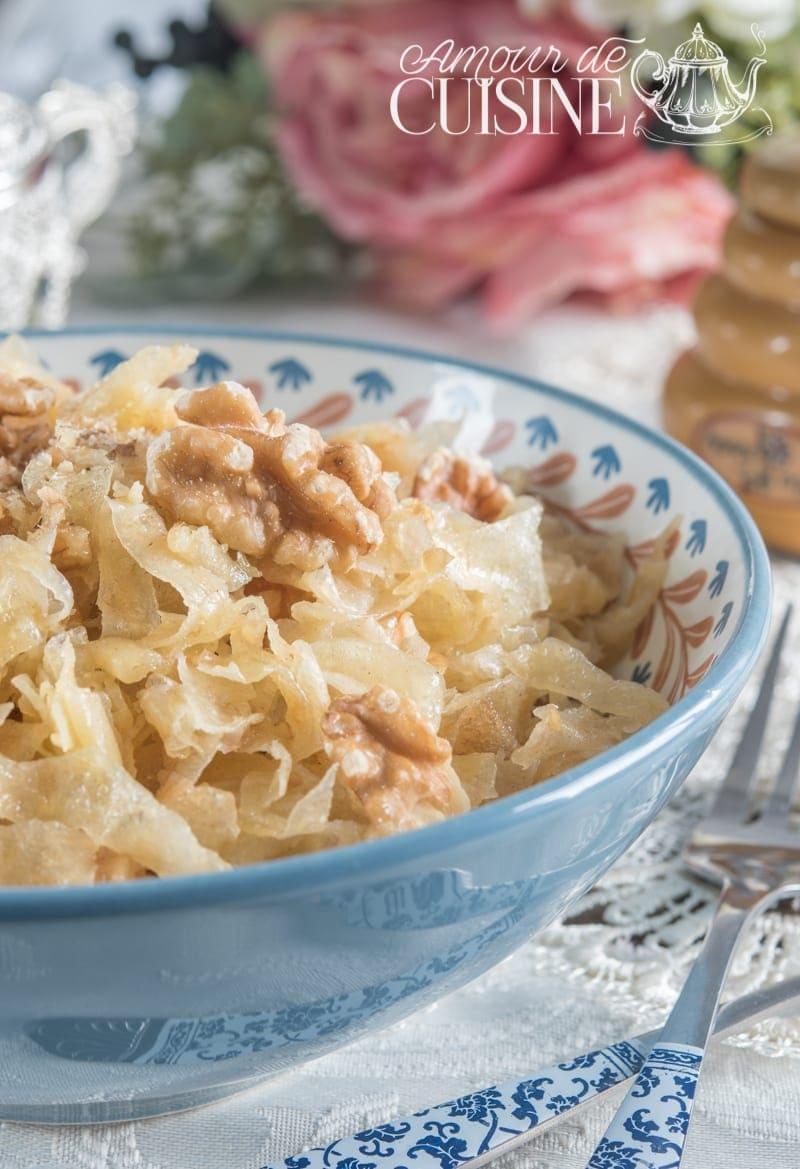 Mchelouech Constantinois,  Lanières de rougag au miel et aux noix