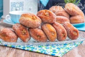 beignets à la compote de pommes à la cassonade pétri au sachet