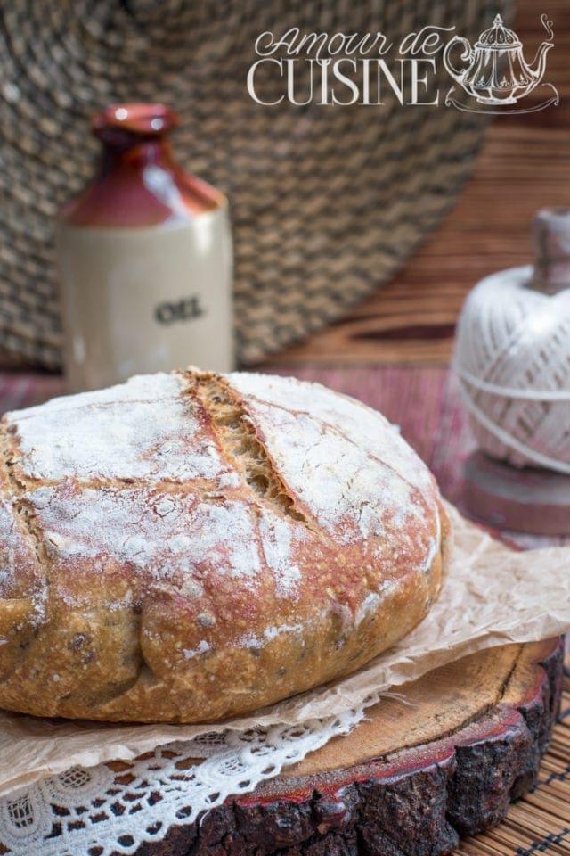 pain en cocotte sans pétrissage aux graines de lin