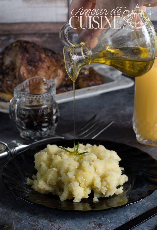 Ecrasée de pommes de terre à l'ail et huile d'olive