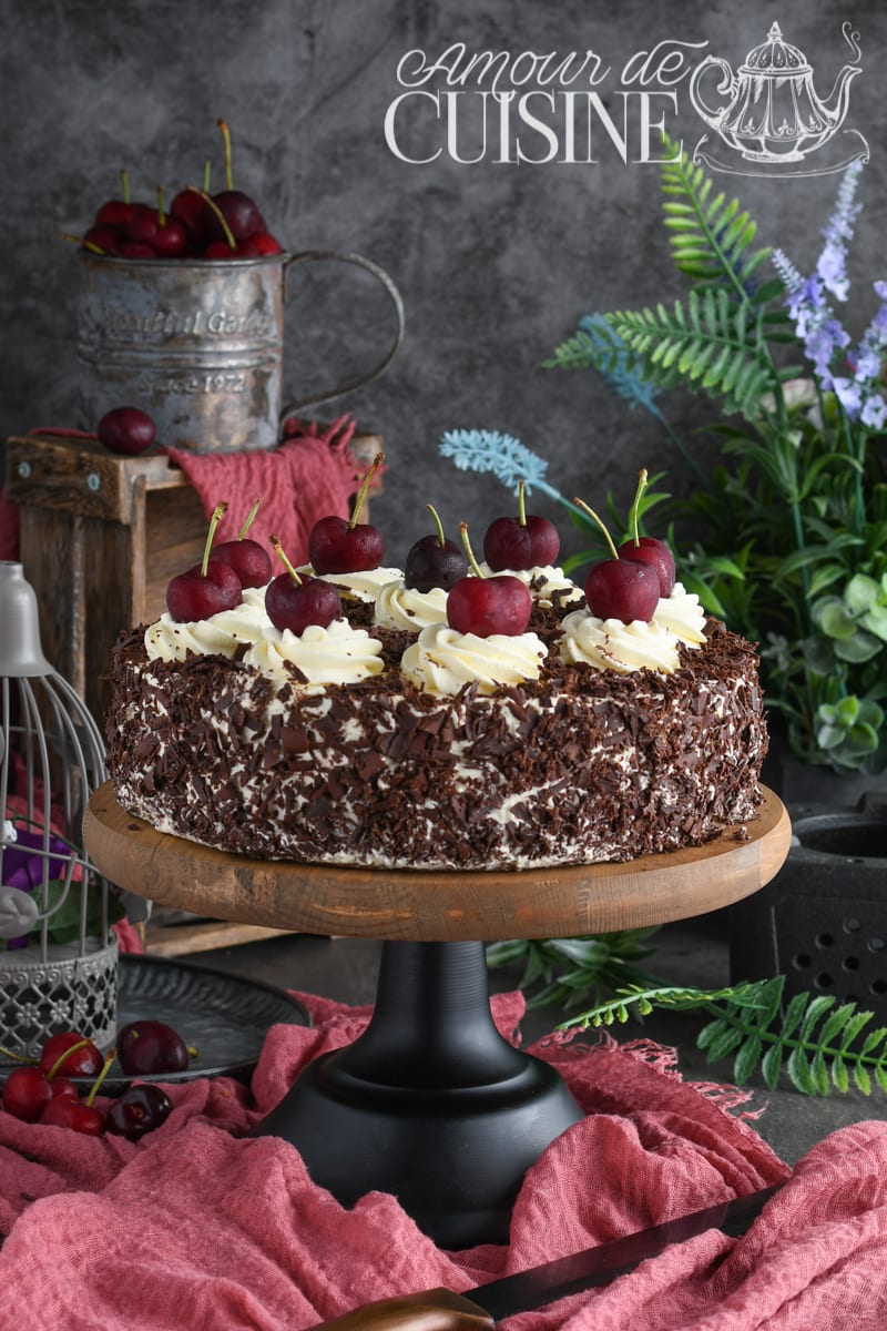 gateau foret noire, recette de la forêt noire facile à la génoise au chocolat