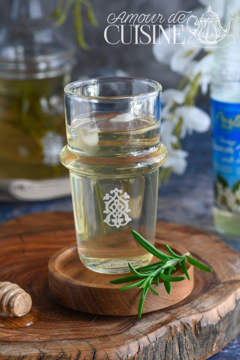 Tisane au romarin et eau de fleur d'oranger