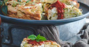 Clafoutis aux courgettes et chèvre facile au coulis de tomates