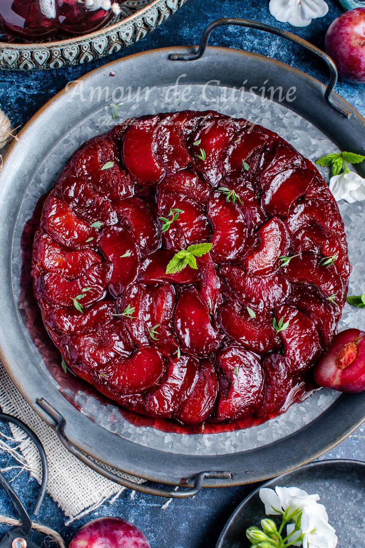 Tarte tatin aux prunes et thym